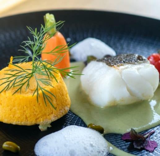 Assiette gastronomique avec poisson